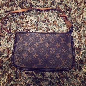 Handbags - Authentic Louis Vuitton purse